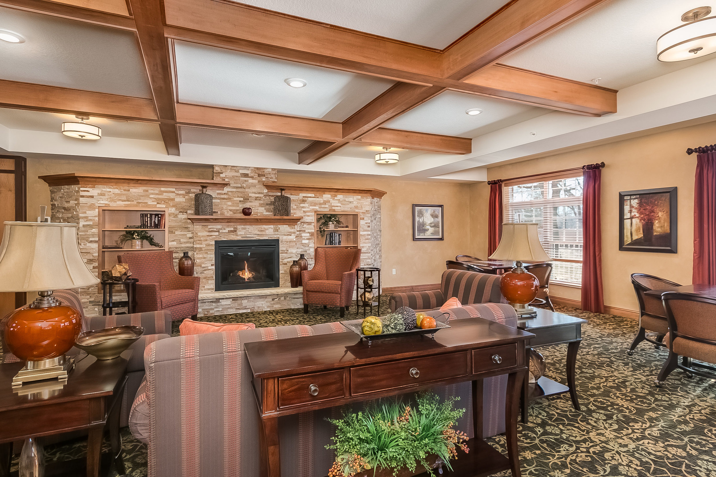 A typical front foyer and seating area to enjoy at Applewood Pointe.