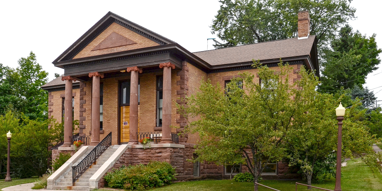 Bayfield CarnegieLibrary2015-3.jpg