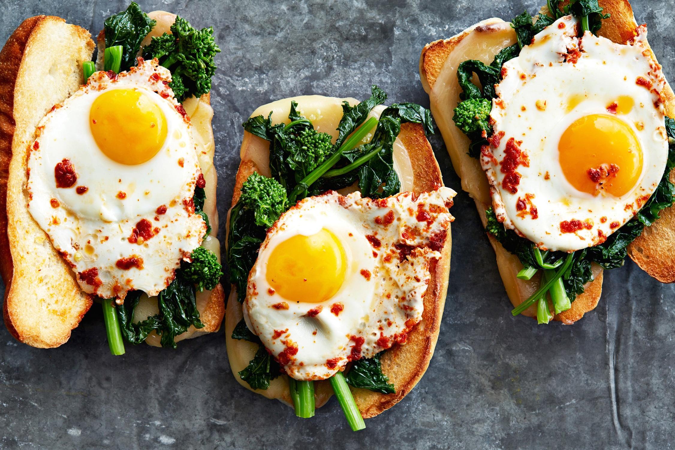 Cover_Philly-Rabe-%26-Egg-Sandwich_0019.jpg