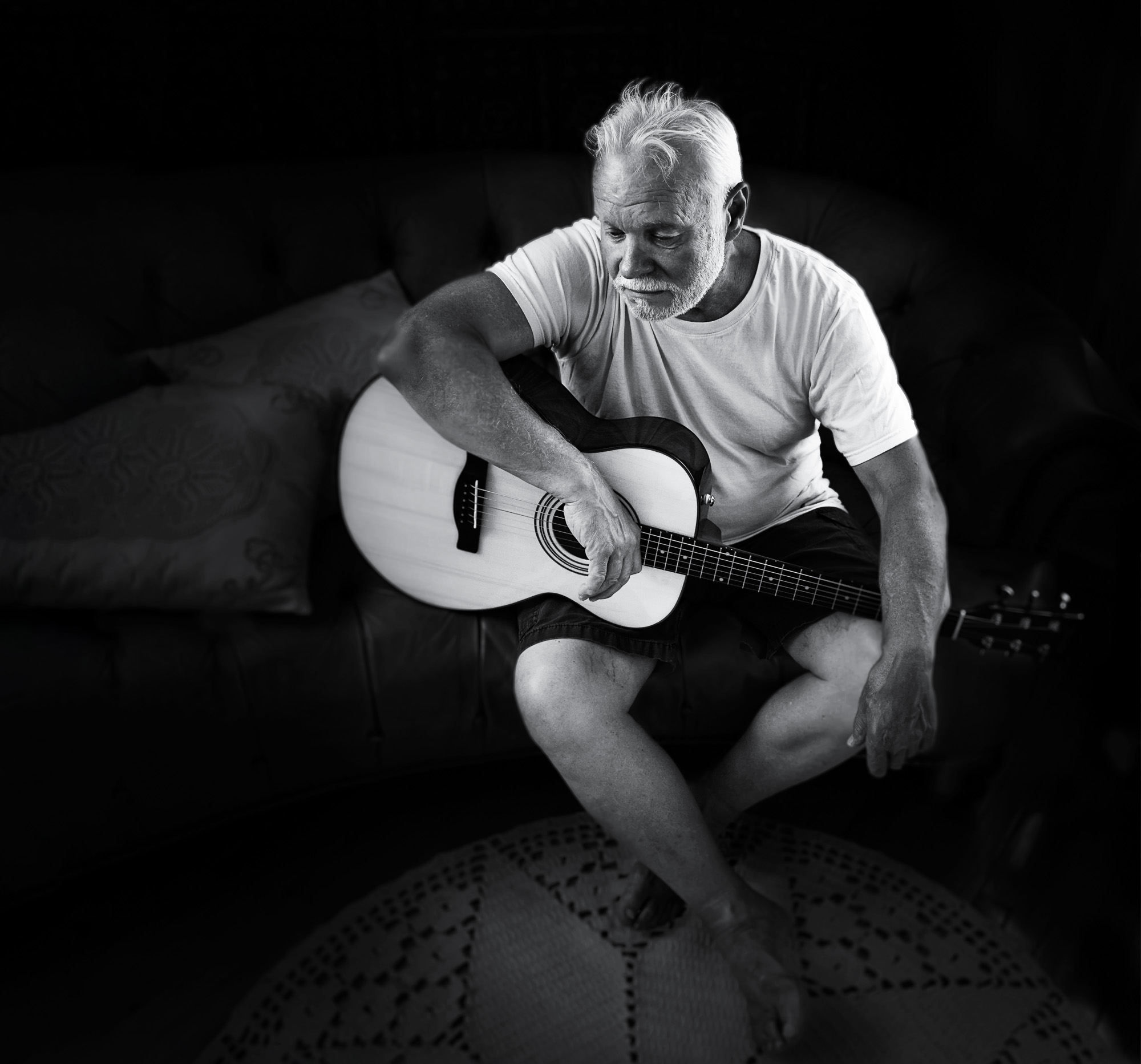 black-and-white-portrait-ReginaMeloPhotography.jpg