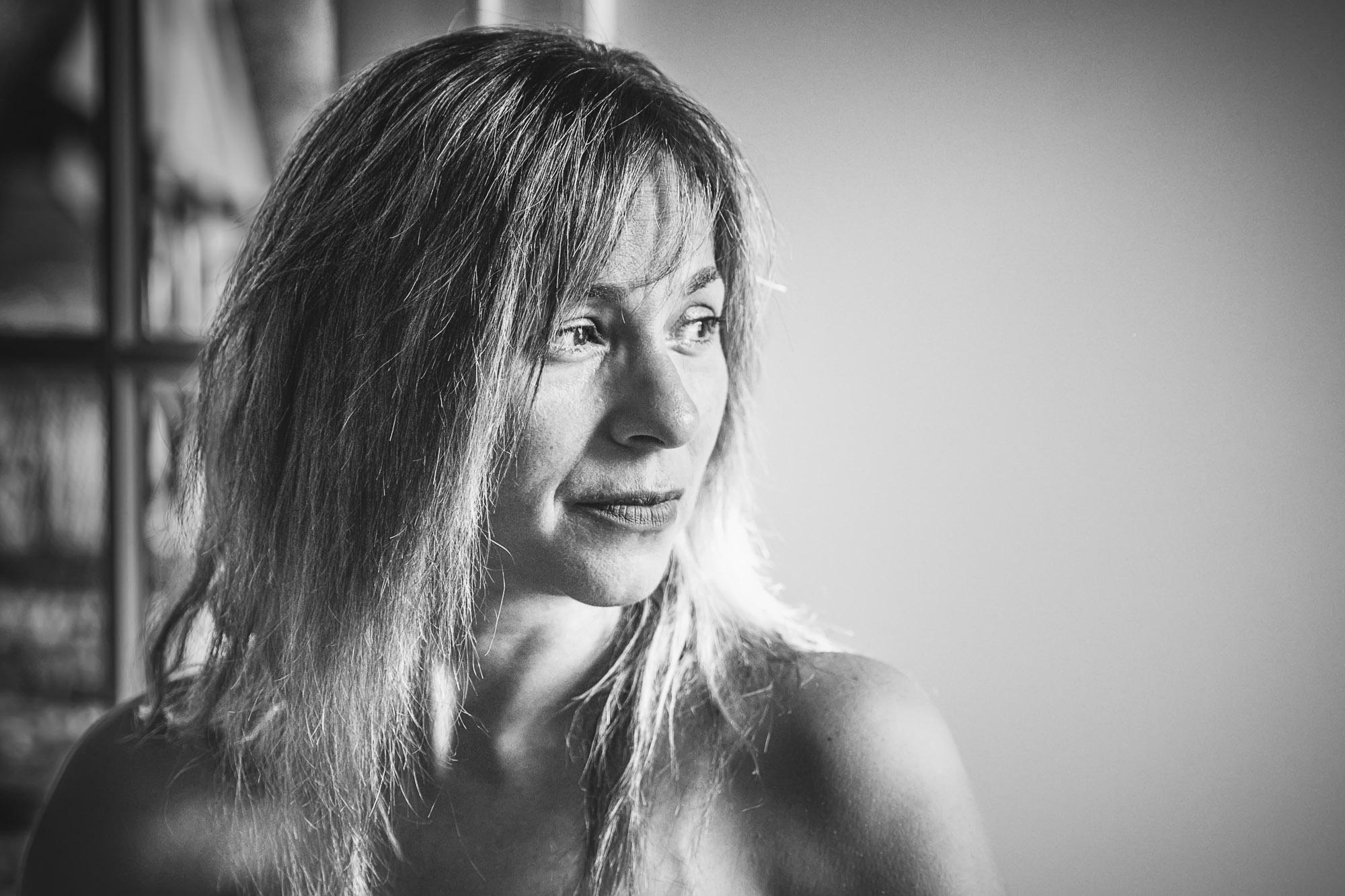 black-and-white-woman-portrait-ReginaMeloPhotography.jpg