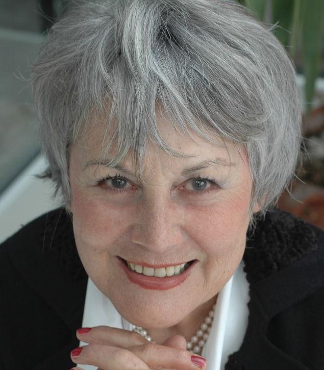 Margrit Schriber - Margrit Schriber wurde 1939 als Tochter eines Wunderheilers in Luzern geboren. Sie arbeitete als Bankangestellte, Werbegrafikerin und Fotomodell. Margrit Schriber lebt heute als freie Schriftstellerin in Zofingen und in der französischen Dordogne. Sie erhielt mehrere Auszeichnungen, unter anderem den Aargauer Literaturpreis für ihr Gesamtwerk.Bild © Yvonne Böhler
