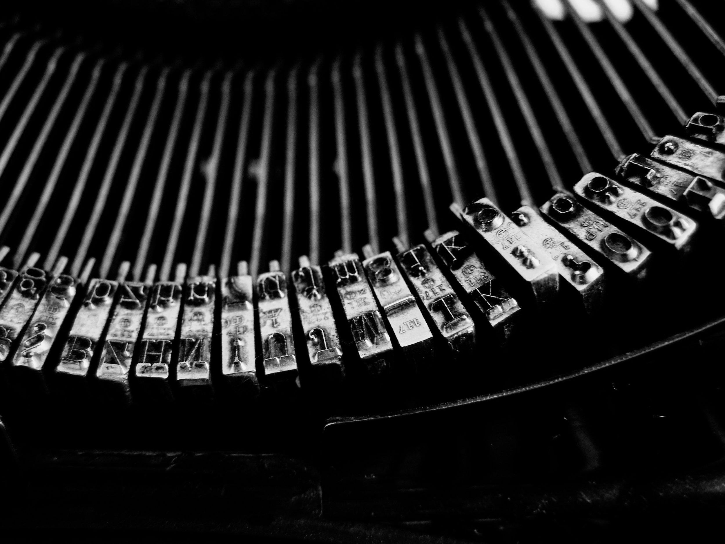typewriter-1245894-3.jpg