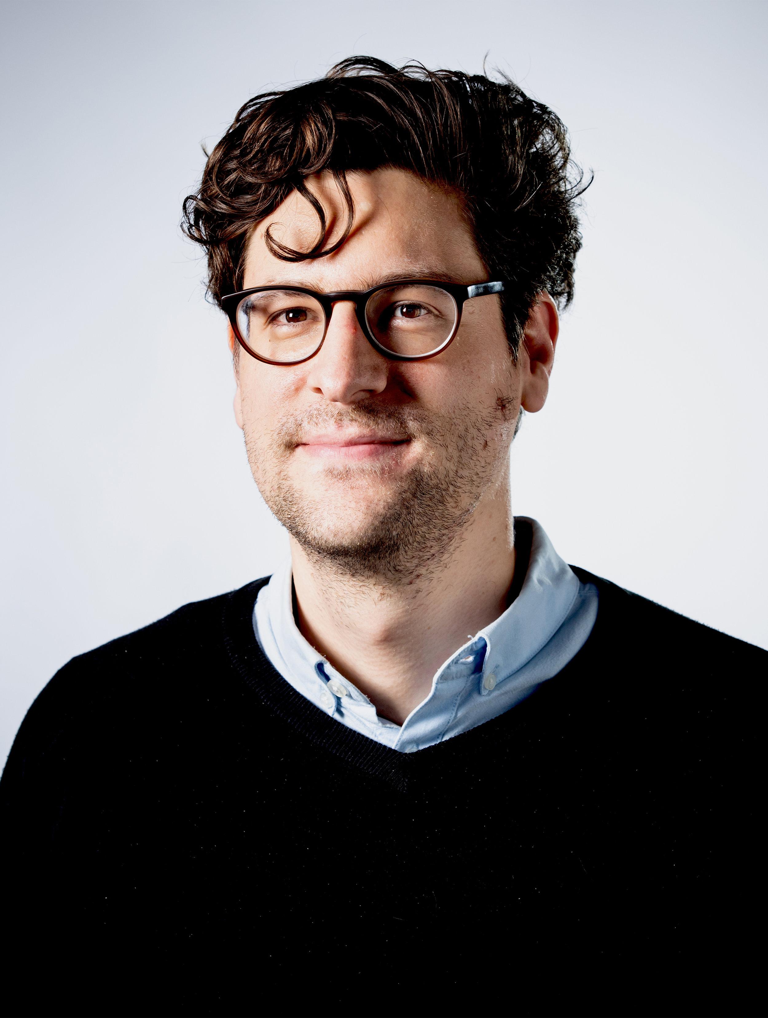 Linus Schöpfer - Linus Schöpfer, 1985 geboren, ist Kulturredakteur des Tages-Anzeiger.Er ist im Entlebuch aufgewachsen und hat in Bern und Berlin Literaturwissenschaften und Geschichte studiert.Bild © Fabienne Andreoli