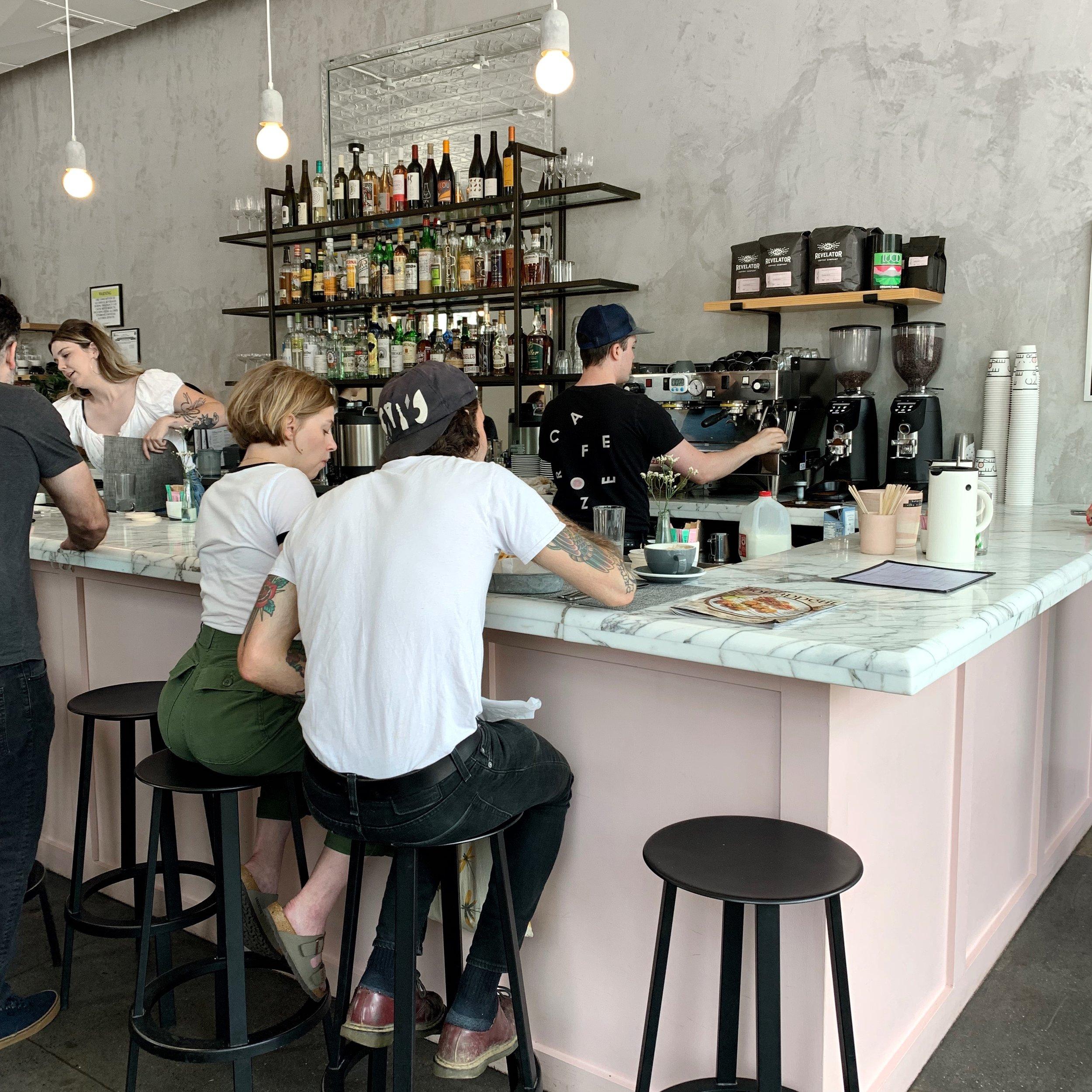 42 Hours in Nashville- styled sustainable - cafe roze