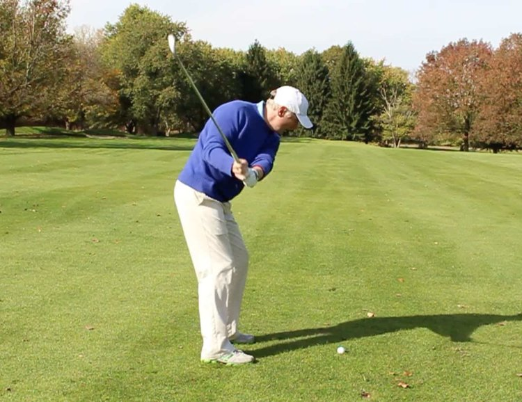 "How to Hit a Fade in Golf like a Pro - The fade is a great shot to have and some of the top players in the world call this their ""go-to"" shot when under pressure. There's a way for you to learn how to hit a fade in 3 simple steps."