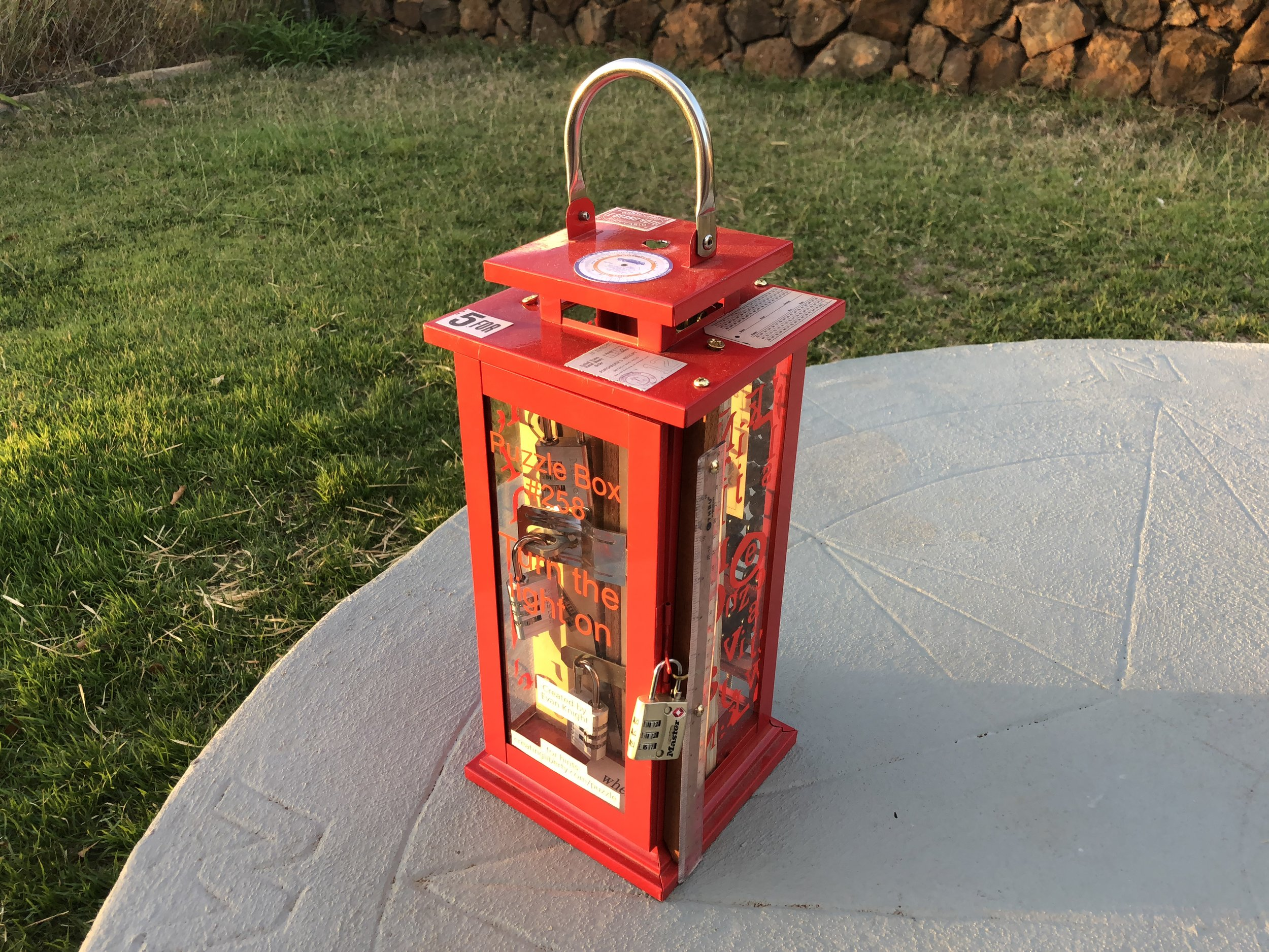 Lantern Escape Box - This Escape Box test your observation skills. The goal is simple turn on the light but are you smart enough to make the light shine.