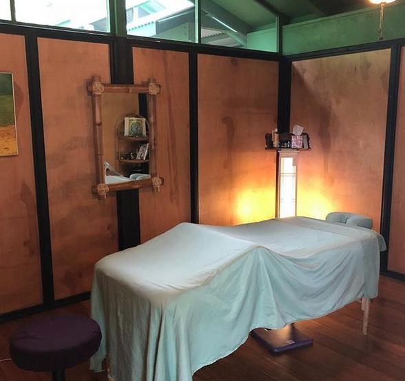 kenkotner_massage_room.png