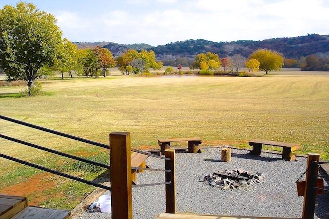 10. fire pit area.JPG