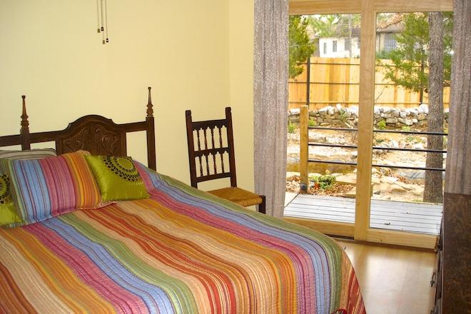 10. Master bedroom .JPG