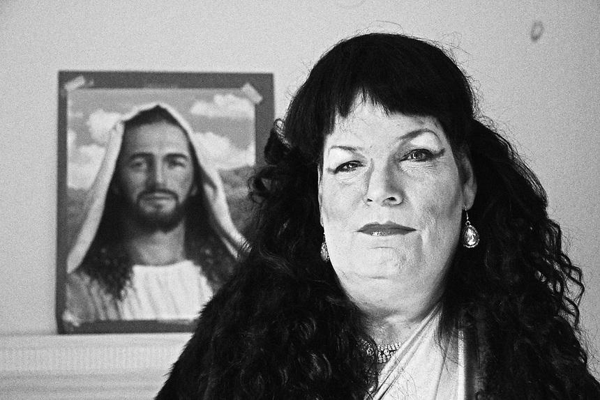 Sandie-and-Jesus-BW-2728-2.jpg