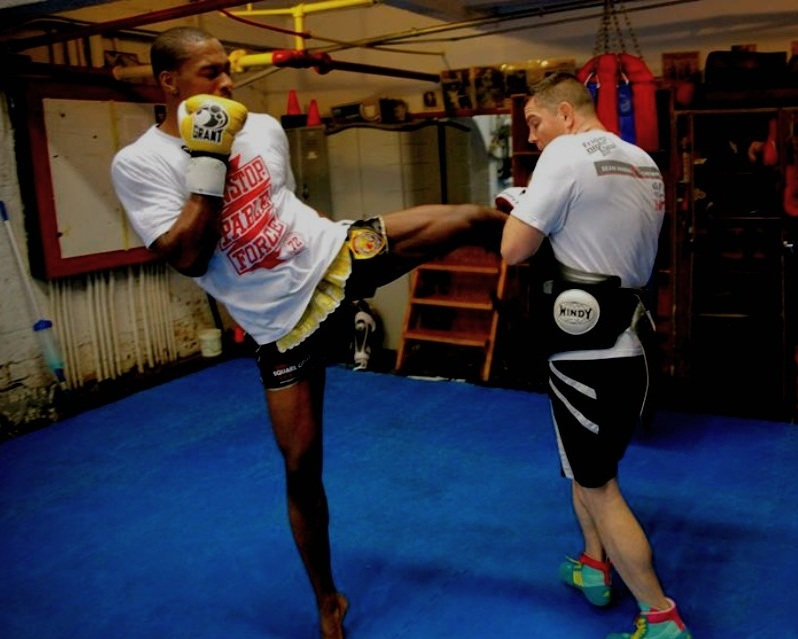 Muay Thai / Kickboxing -