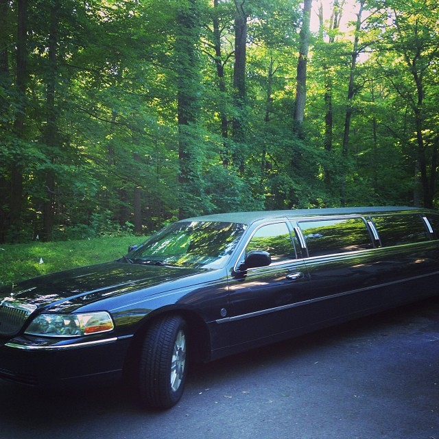 wedding-limo.jpg