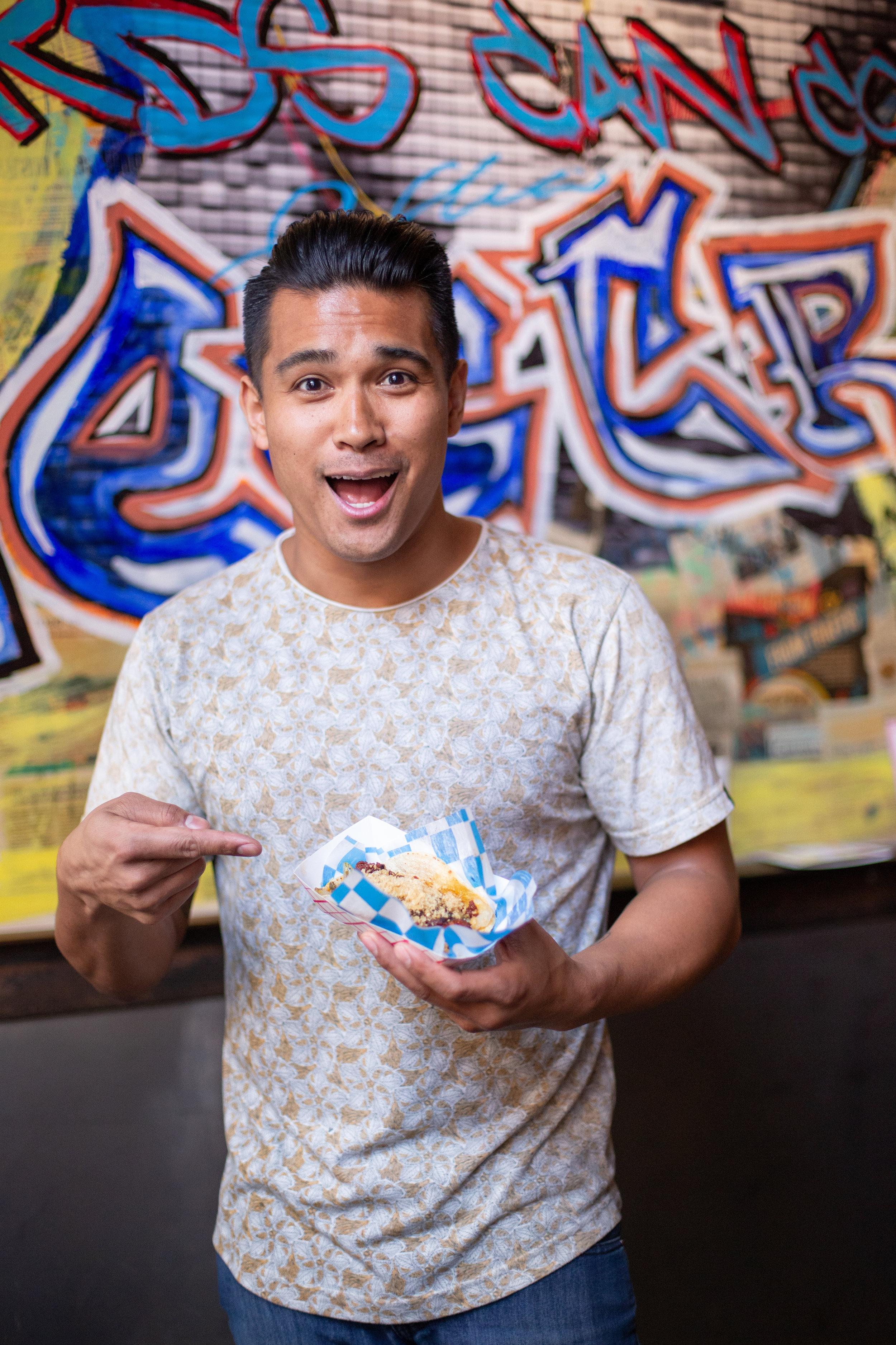 Celebrity Chef  Jordan Andino  of  @flipsigi