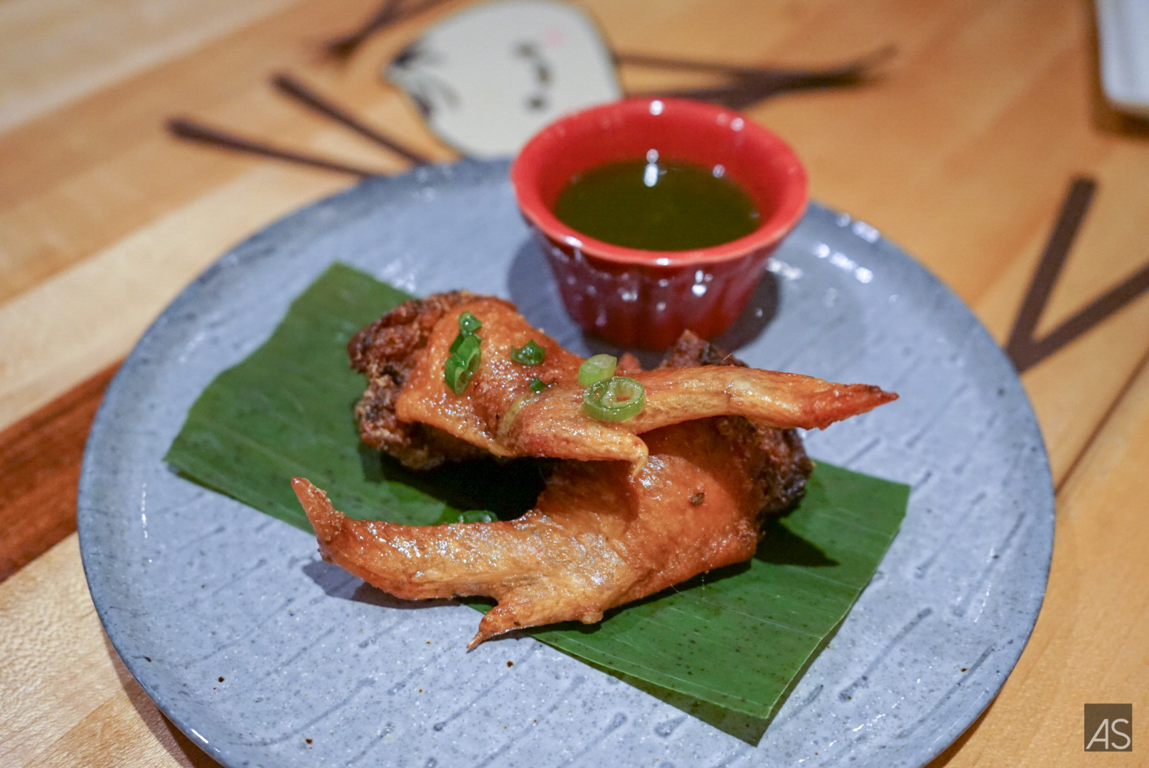 Canh Ga Chien Gion | Pork stuffed chicken wings | cilantro plum fish sauce