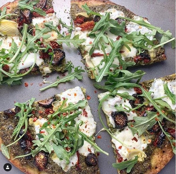 #NYC We know you are no stranger to the Cauliflower Pizza Craze - just as NYC is no stranger to the perfect piece of pizza. Well, the OG cauli-brand, CAULIPOWER @caulipowered, will be opened their doors to a NYC pizza pop-up experience like no other - inviting locals who live to be different, to try something different. . On May 1st - May 30th those seeking an alternative (and healthier) slice can stop by the leading Cauliflower Pizza company's temporary Bleecker Street location to taste the trend for FREE (and also participate in some throwback pizza parlor fun and games). . For more info on the event, head to averagesocialite.com // link in bio . . . #CAULIPOWER #nycpopup #nycmuseum #nycfun #thingstodoinnyc