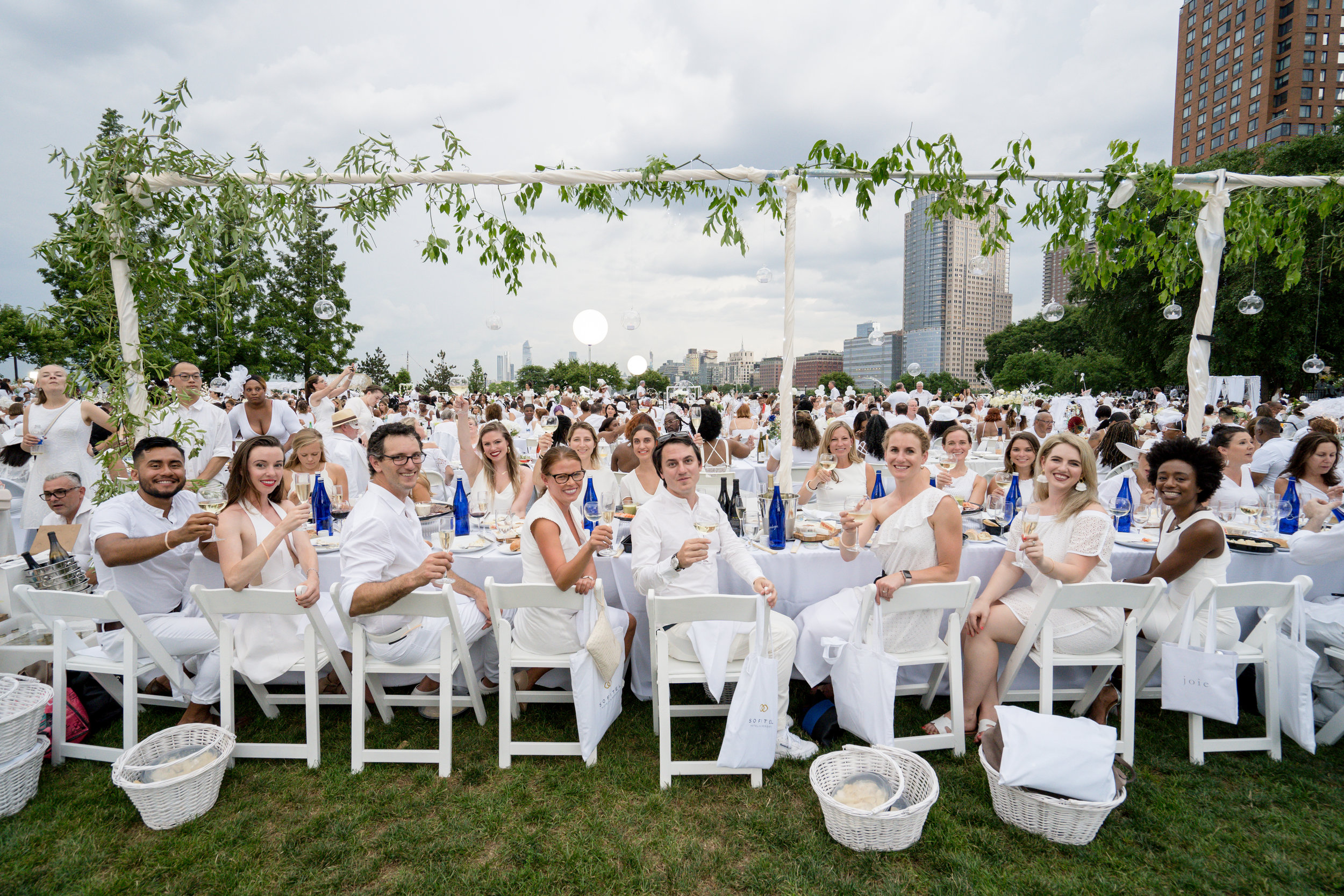 Photo: Eric Vitale Photography/Dîner en Blanc International