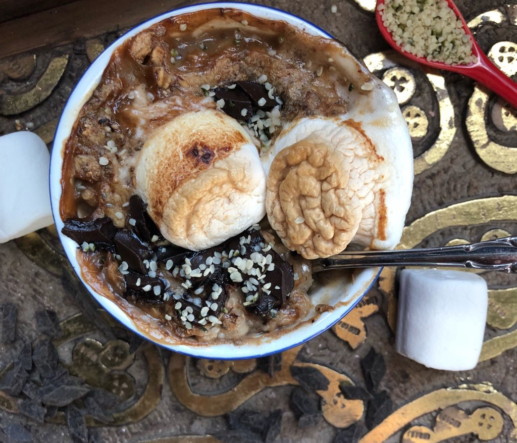 Campfire S'mores Baked Oats - Gluten-Free, Dairy-Free, can be made Vegan