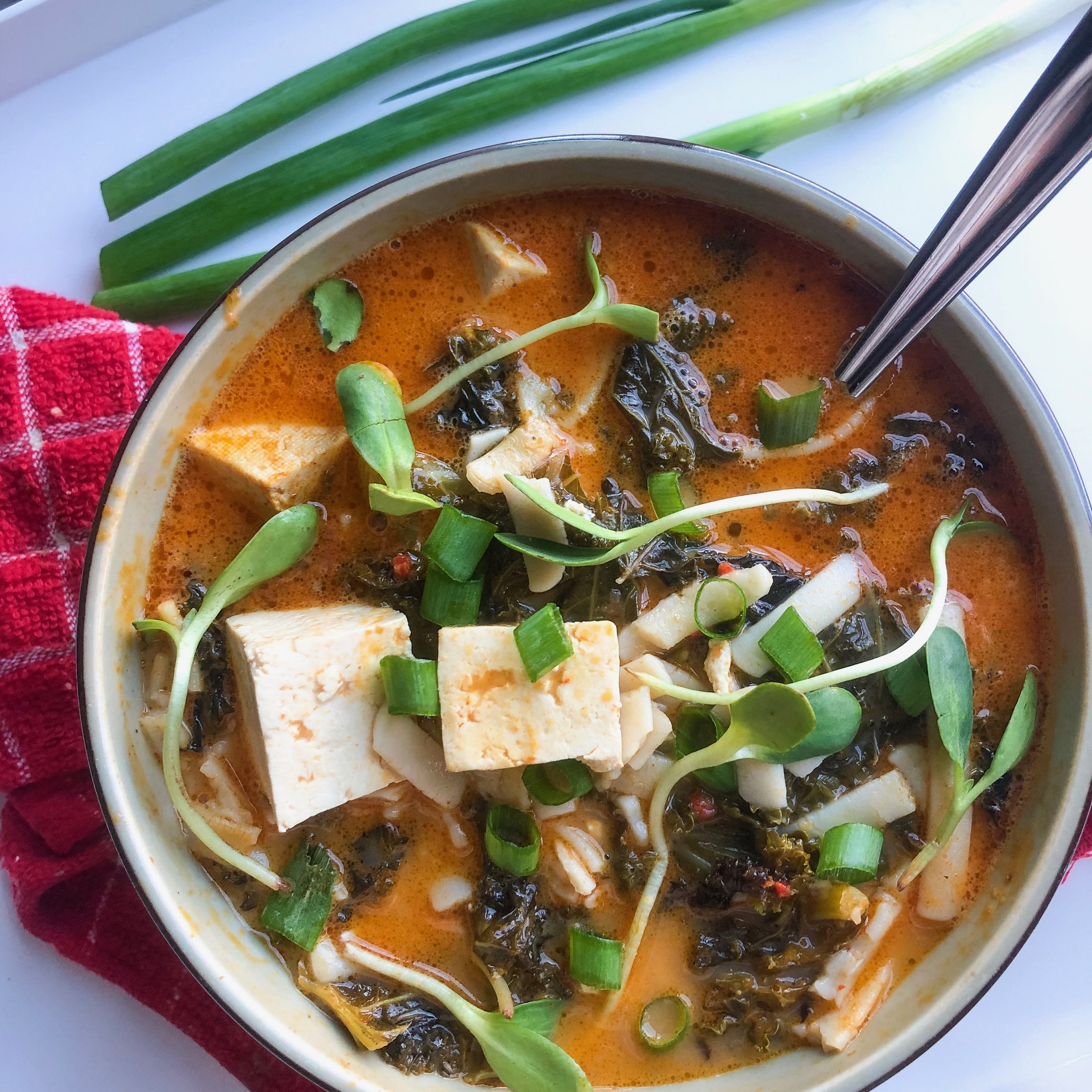 Thai Coconut Curry Soup - DAIRY-FREE, VEGAN, GLUTEN-FREE (OPTIONAL), MEAL PREP
