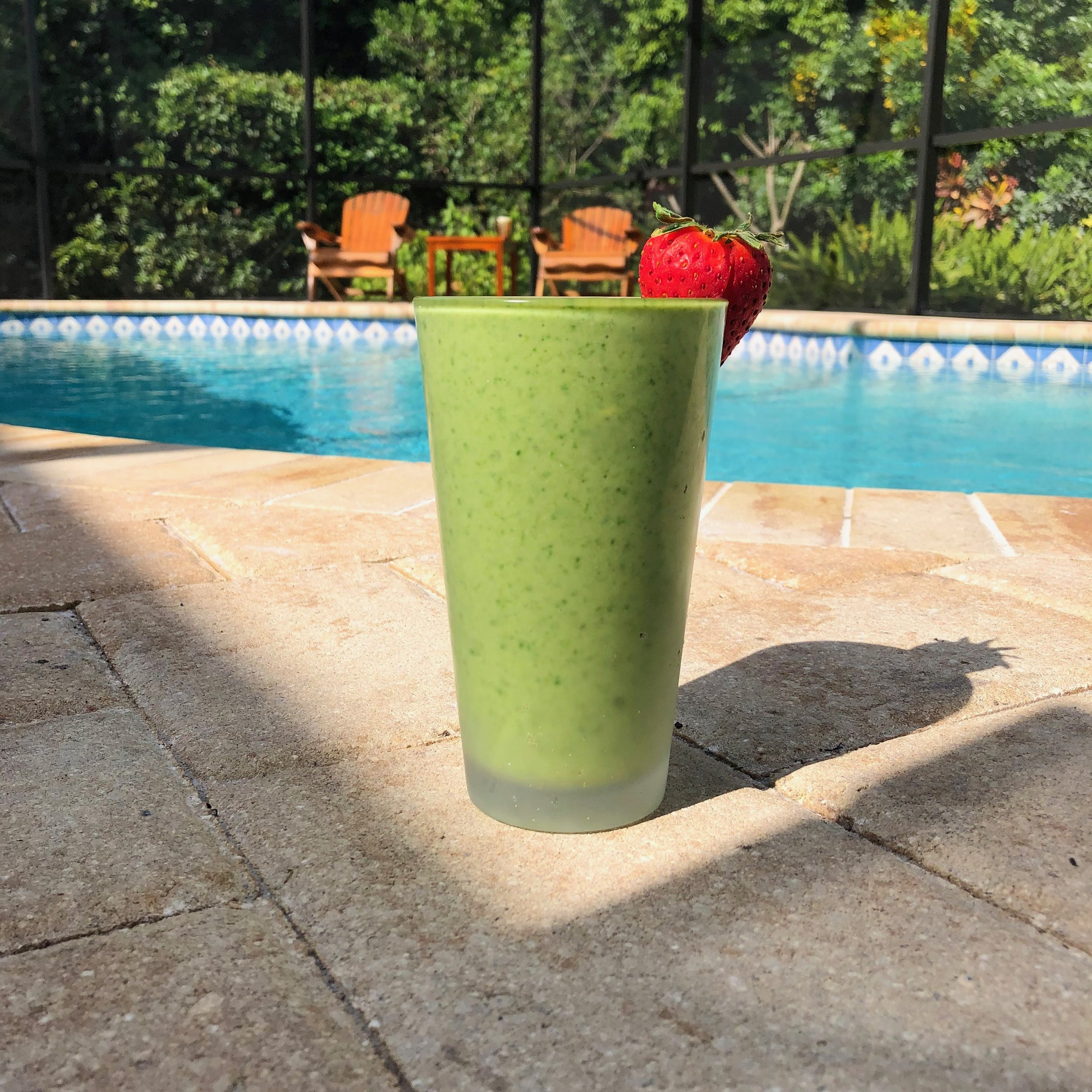 Iced Matcha Smoothie - 1/2 avocado1 banana1/2 cup nut milk1 cup water1 tbsp flaxseed meal1 scoop collagen (Further Food)1 scoop matcha (Further Food)3/4 cup frozen kaleIce to thicken