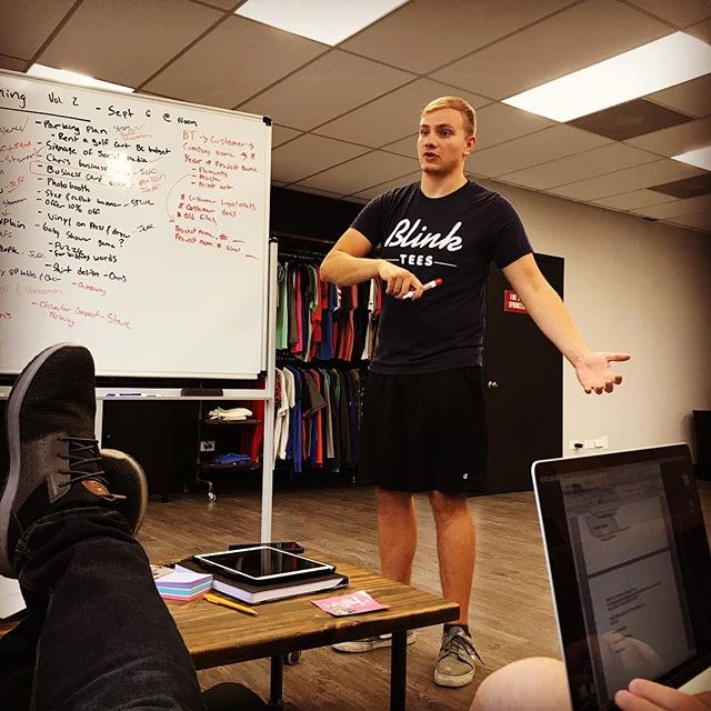 @jeffoo95 rockin this team meeting!! #worldclasstshirter #businessing #printhustlers