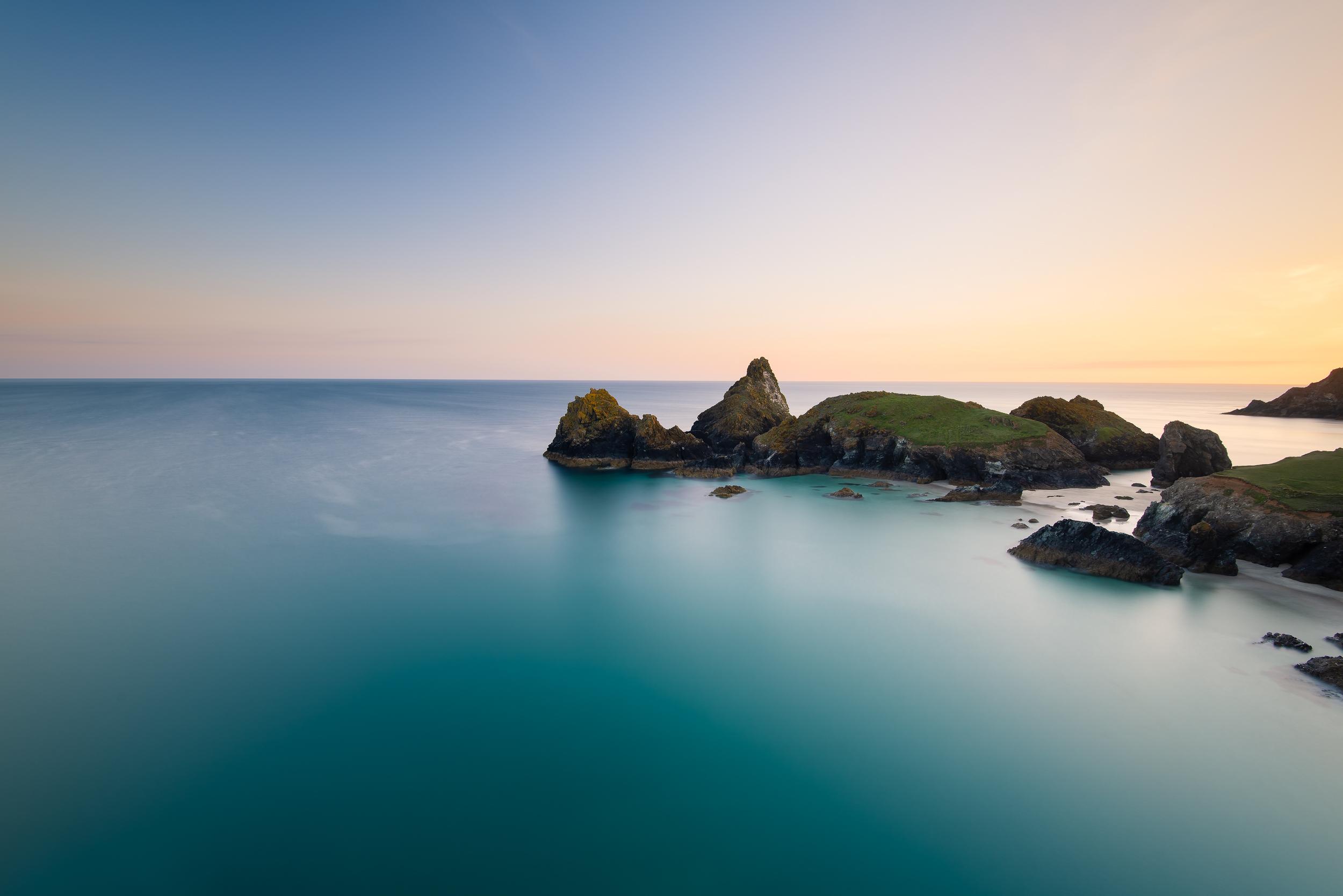kynance-sea-islands-summer.jpg