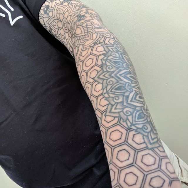 The left sleeve is coming along very nicely. Thanks @jasonhanna_mtl and @madetolasttattoo!