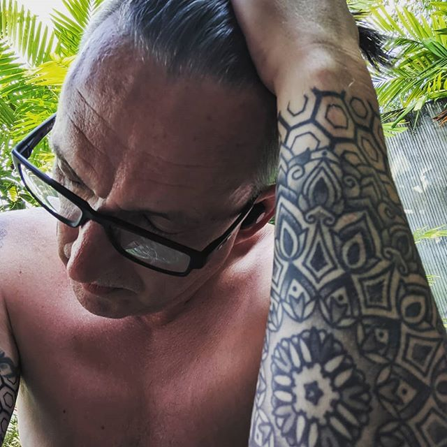 So I was asked if I belonged to the mafia because that's apparently what full sleeve tattoos mean in Thailand... And I thought they were just being respectful out of traditional customs. Guess I need to rethink my life choices. 😂  #fullsleevetattoo #sacredgeometrytattoo #rethinklifechoices