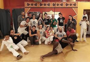 capoeira girassol 300.jpg