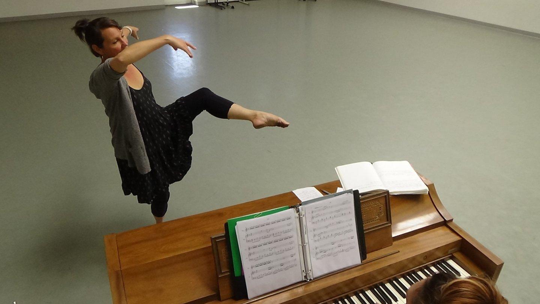 Dancer Romy Keegan and musician Elizabeth Capra rehearsing at Keshet.