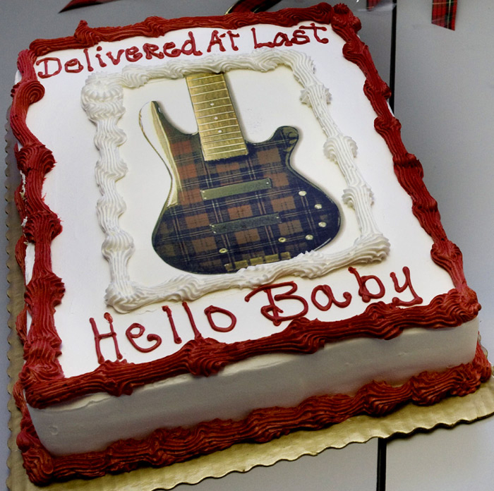 The world's first cake celebrating the delivery of a long-awaited 12-string bass.