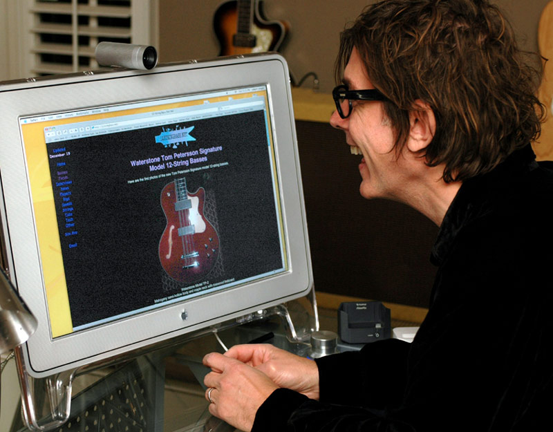 Tom Petersson checking out 12stringbass.net during the introduction of the Waterstone TP signature model 12-string basses.