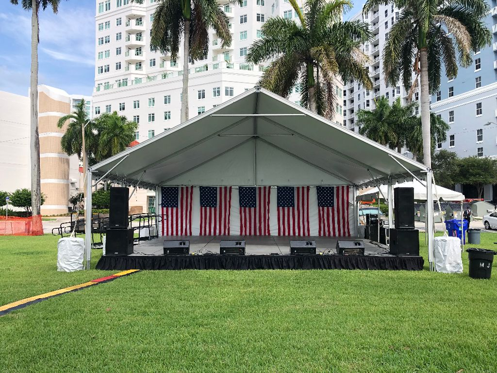 """28' Wide X 24' Deep X 15"""" Tall Stage & Tent"""