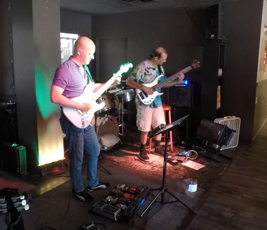 Thom Cox and Steve Cardoza performing live in Newburyport.