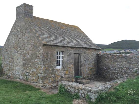 Gîte la Petite maison du Fort - https://www.airbnb.fr/rooms/8259868?s=51