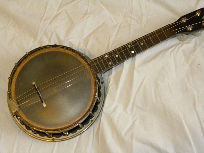banjolin-01_46682400882_o.jpg