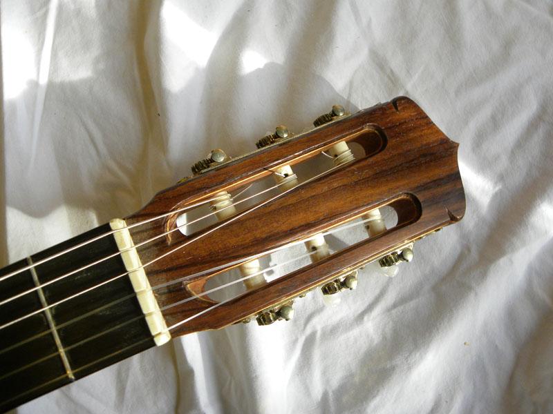 clasical-guitar-04_46682399092_o.jpg