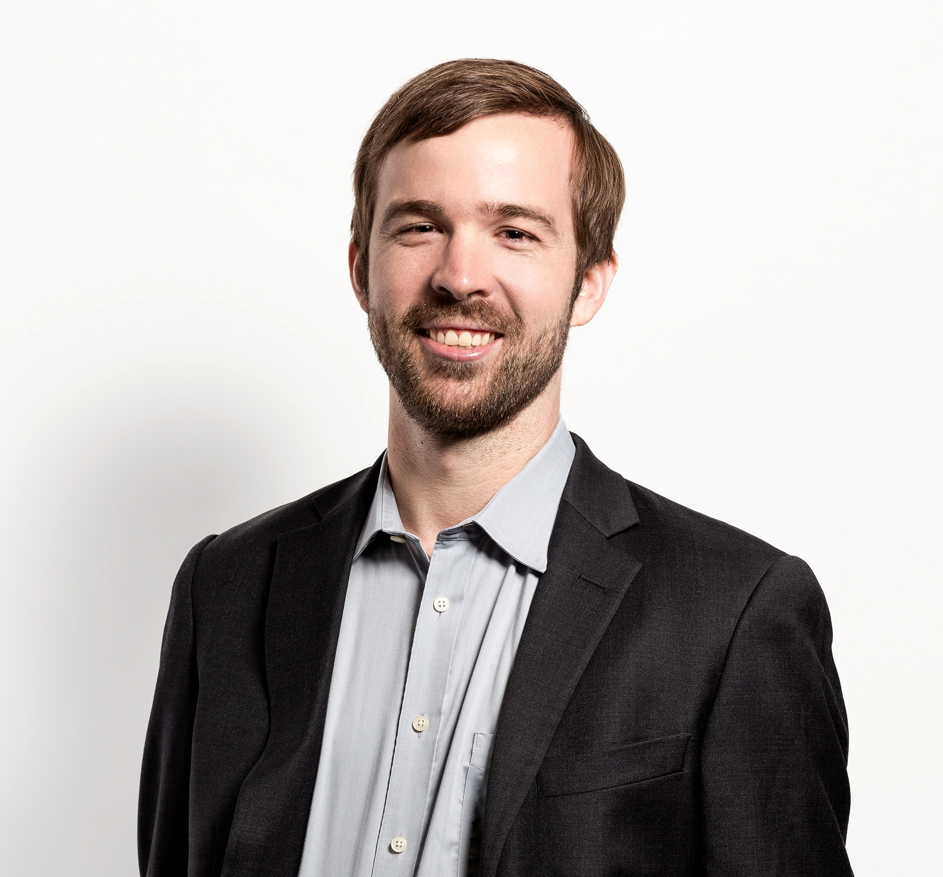 Rob Toews - Investor | Highland Capital PartnersBefore Highland, Rob did strategy at Zoox and earned his JD/MBA from Harvard. In this episode we discuss how AV development is creating opportunities in AI, simulation, and mapping, why Tesla doesn't use LiDAR, Apple's acquisition of Drive.ai, and predictions around what current trends mean for the future of the AV landscape.