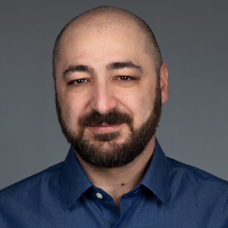 Çetin Meriçli - Co-founder | LocomationIn this episode we discuss the impact that AV technology will have on the trucking industry, how Locomation's convoy approach differs from fully autonomous and driver assistance systems, and the path to bringing this technology to market over the next few years.