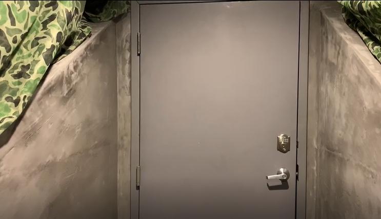 Podunk door 3.PNG