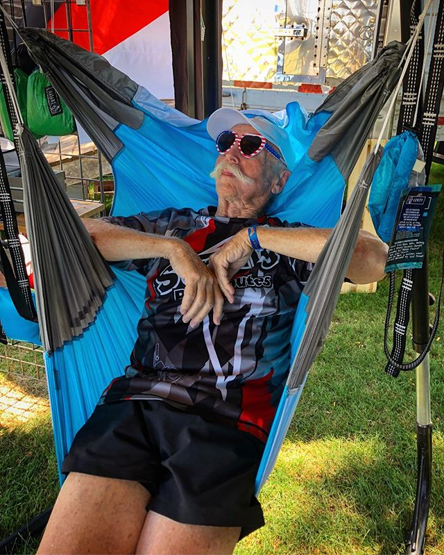 Bill Morrissey knows the key to longevity in life and skydiving — it's taking a moment to relax and enjoy the breeze! Even better if it's in a #levitynylon hammock chair at @skydivechicago #summerfest2019 #hammockcamping #sustainability 💙♻️🌐