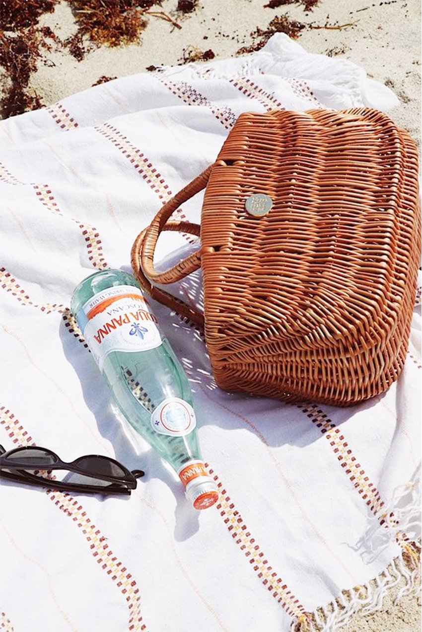 What's In Her Bag - Hers Wave - for Antidote