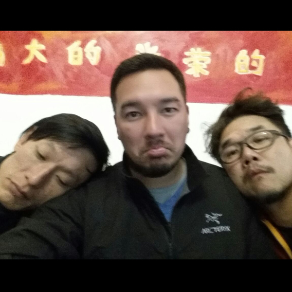 三男一旅.jpg