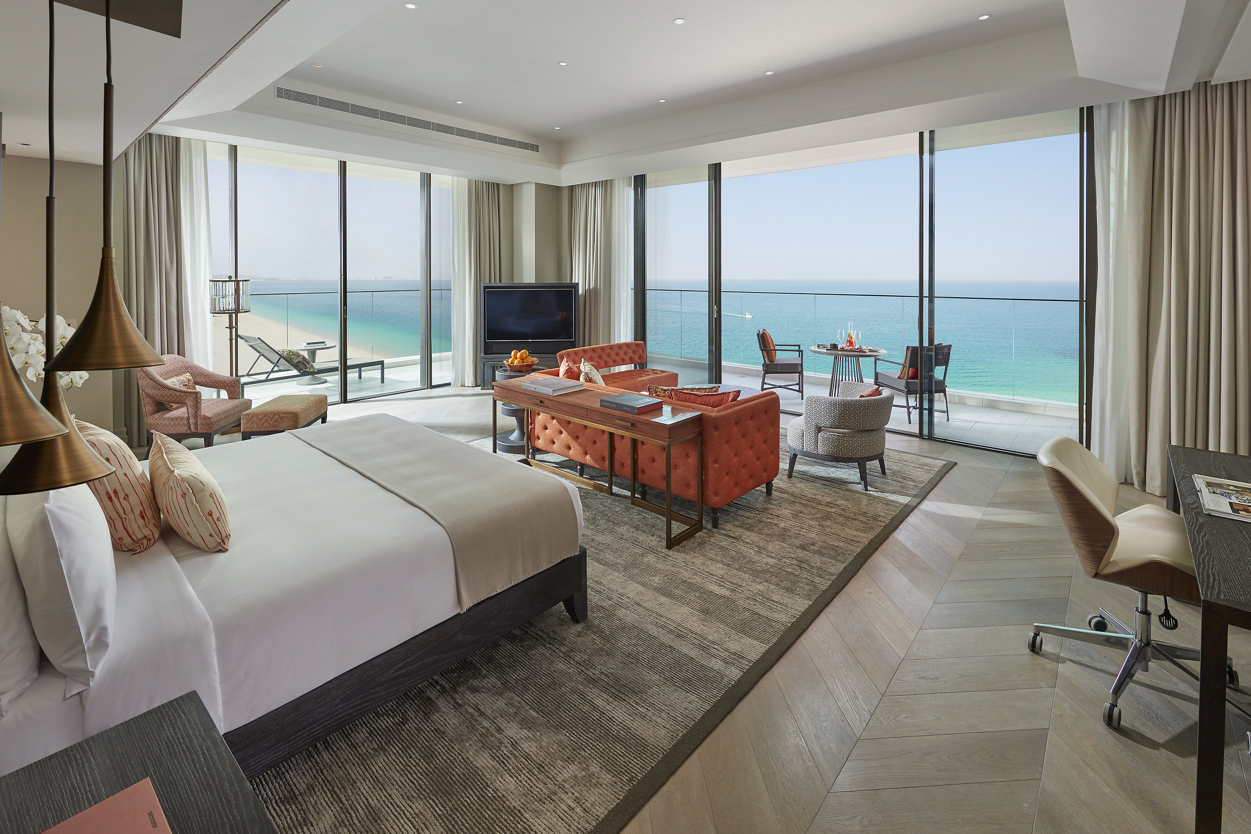 dubai-suite-mandarin-sea-front-bedroom.jpg