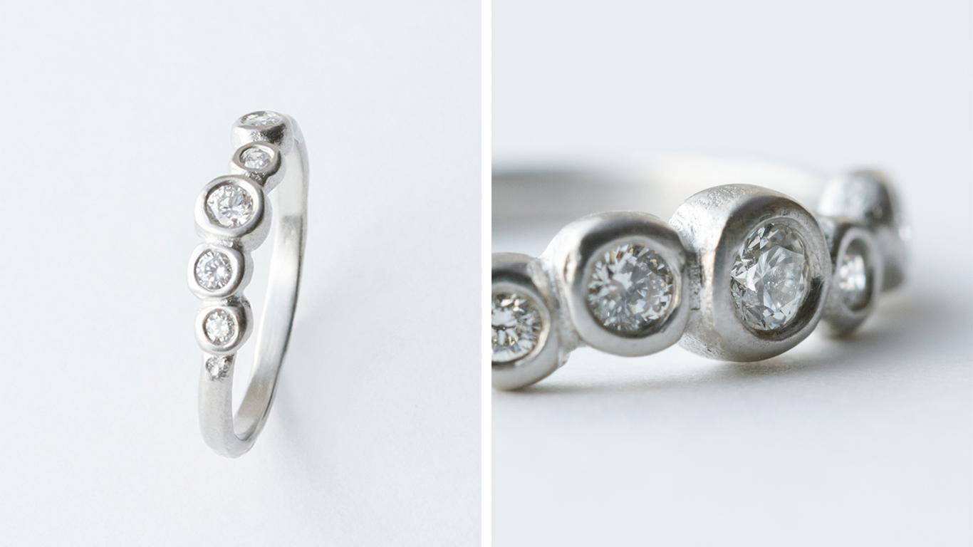 朝露/MORNING DEW  朝日が差し込み雫に反射している光をイメージしたリング。ランダムに配置されたダイヤモンドが華やかな指元を演出してくれます。  K18YG ¥160,000 K18WG,K18PG ¥180,000 PT900 ¥200,000