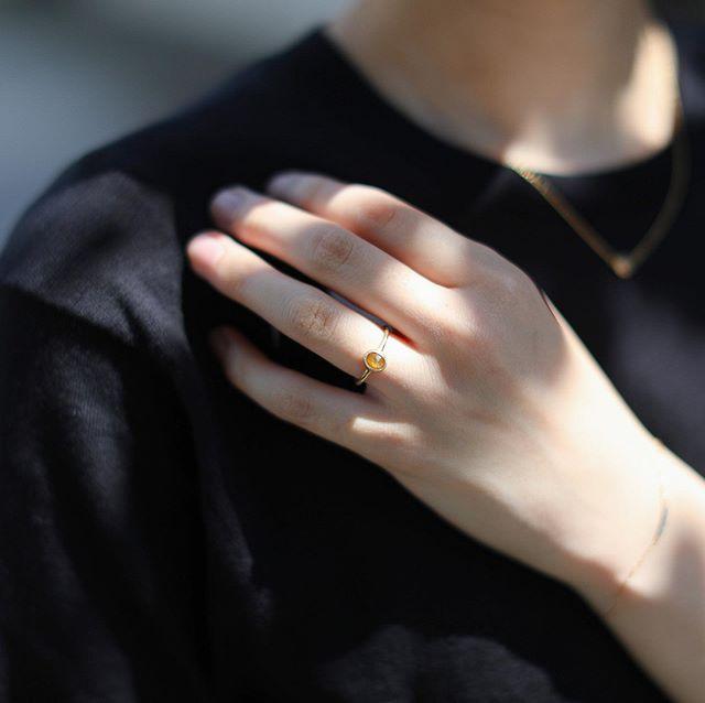. 向日葵のような輝きのダイヤモンドリング。 . . 実店舗は連休中も通常通り営業しております。 帰省などで名古屋・大須に来られる際は お立ち寄りくださいませ。 . 初めての方もお久しぶりの方も ゆっくりと過ごしていただければと思います。 明日からもご来店お待ちしております。