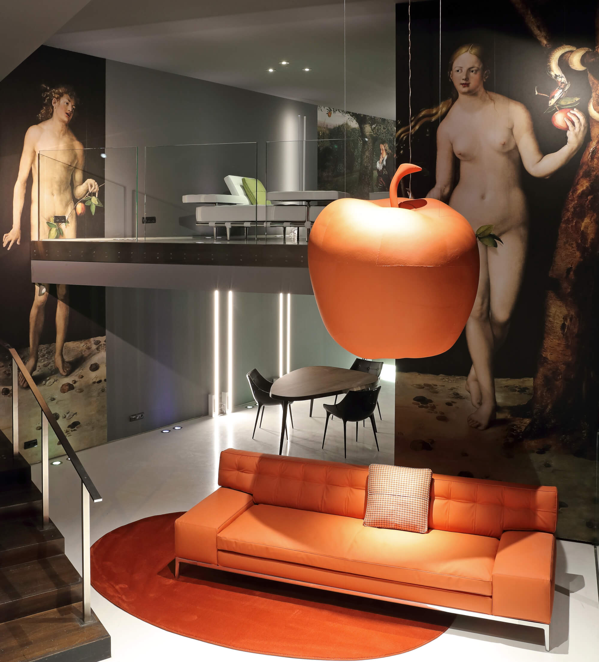 des canapés en cuir de pomme chez cassina par Philippe Starck  (sur kraft & carat)