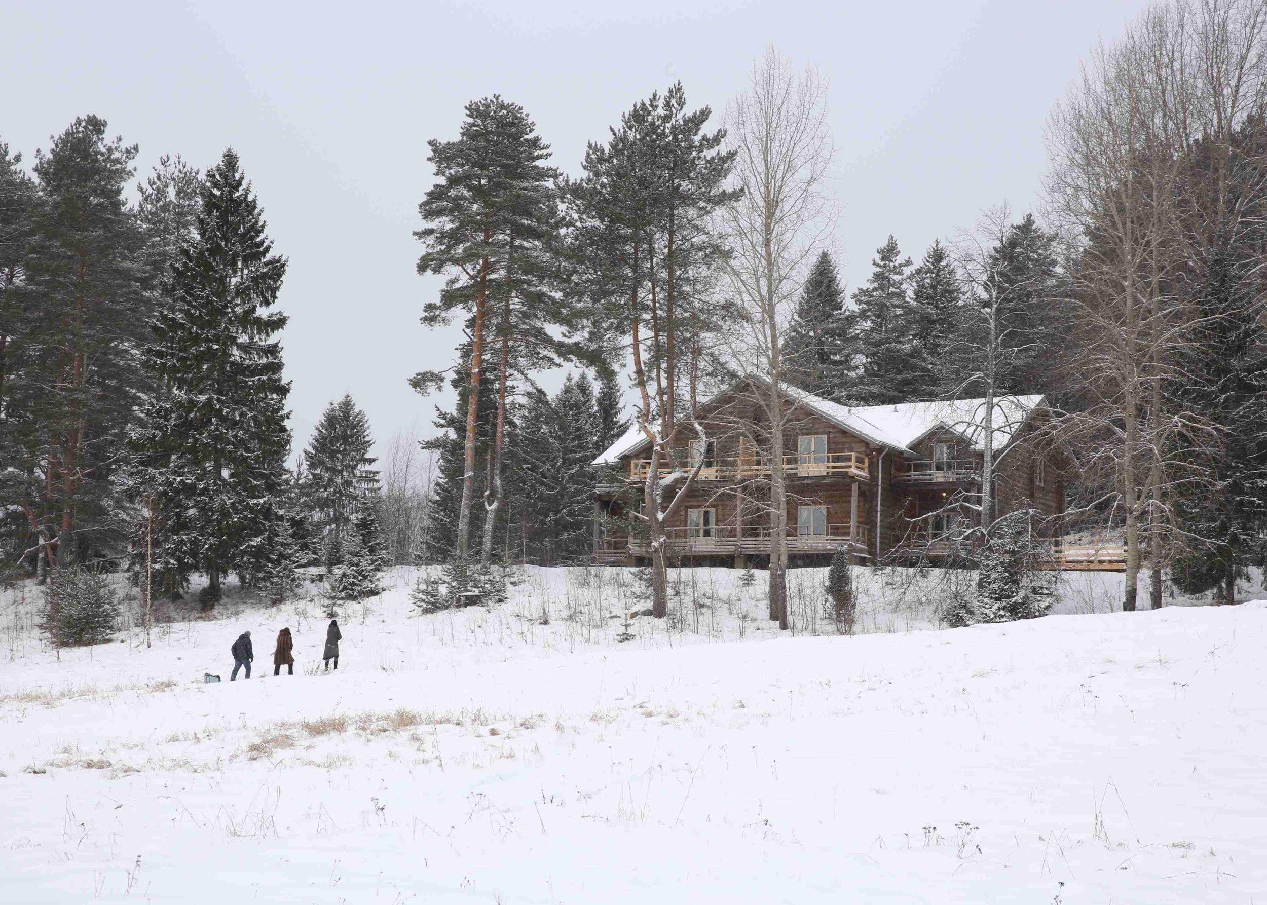 Первый дом-зима.jpg