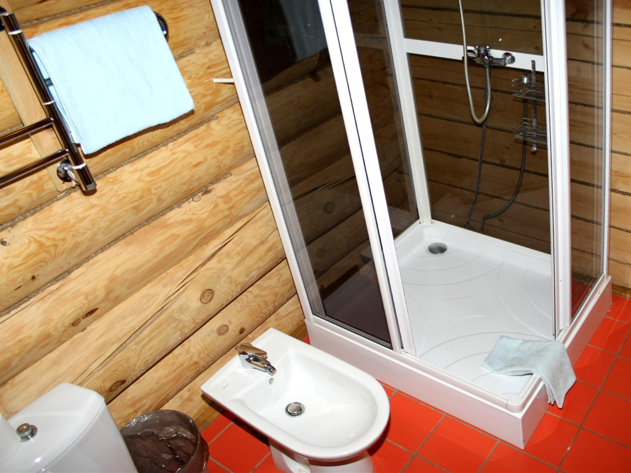 одноместный-номер-с-ванной-отдых-на-селигере-отель-вершина-селигера.jpg