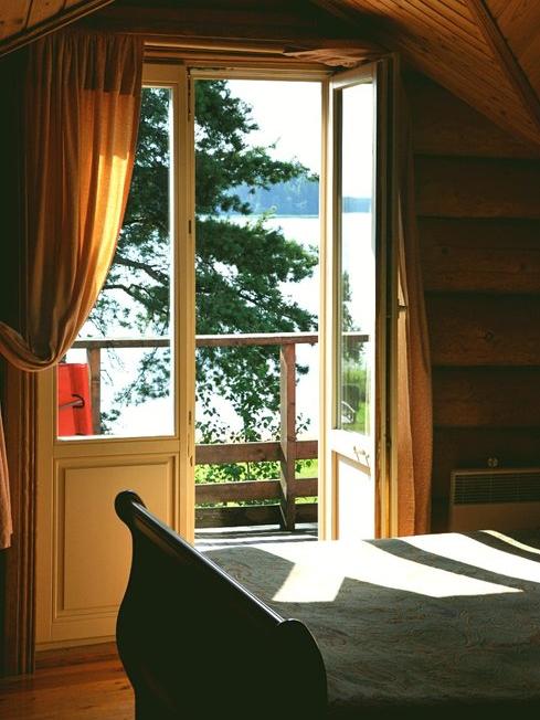 двухместный-номер-с-видом-на-озеро-балкон-отдых-на-селигере-отель-вершина-селигера -lux.jpg
